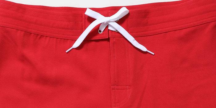 サーフパンツの腰ひものアップサイズ調整可能